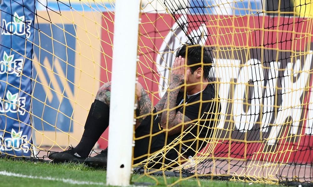 Η Daily Mail σχολίασε την χαμένη ευκαιρία της χρονιάς από τον Αραούχο! (photos)