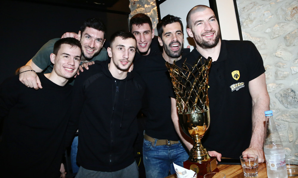 ΑΕΚ: Τα... έσπασαν για το Κύπελλο (photos)