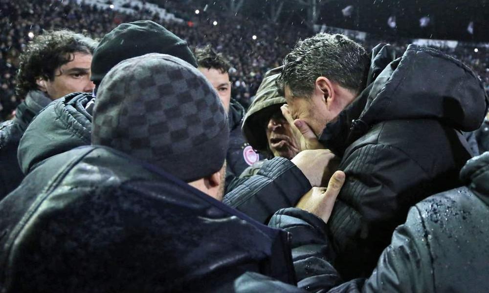 ΠΑΟΚ-Ολυμπιακός: Η στιγμή του τραυματισμού του Γκαρθία και ο πανικός στην Τούμπα (photos)