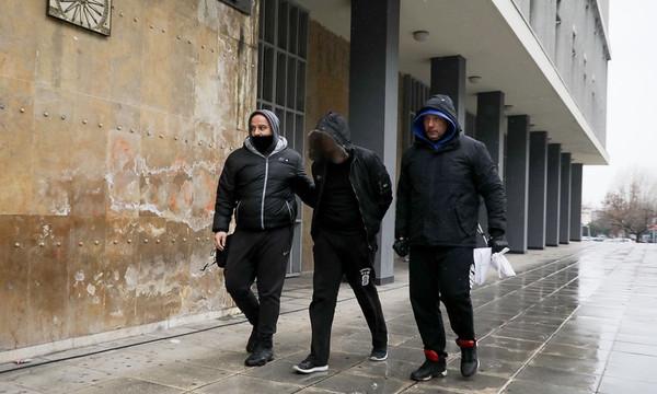 ΠΑΟΚ - Ολυμπιακός: Στο Αυτόφωρο ο οπαδός που πέταξε το ρολό ταμειακής μηχανής (photos)