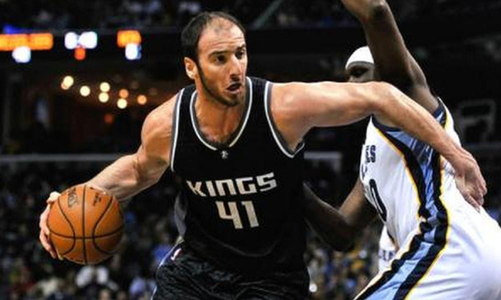 NBA: Θετικός ο Κουφός, νίκη για Κινγκς