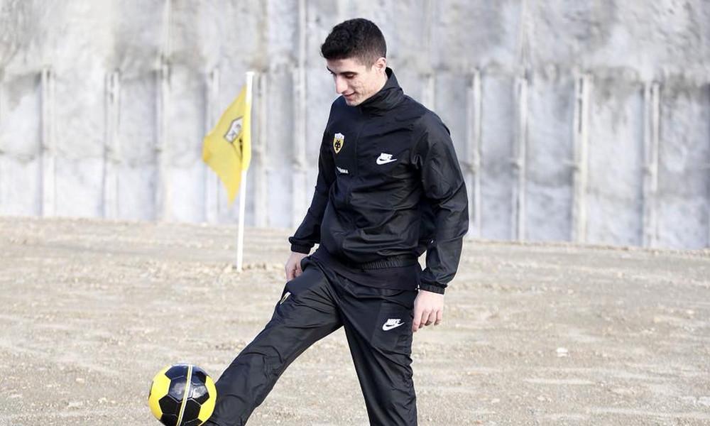 ΑΕΚ: Η πρώτη «κιτρινόμαυρη» μπάλα στη Νέα Φιλαδέλφεια (photo)