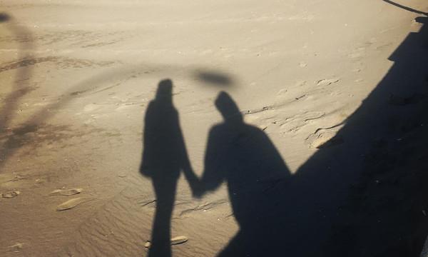 Γνωστό ζευγάρι της ελληνικής showbiz έβγαλε στις Πασχαλινές διακοπές την πιο ρομαντική φωτο