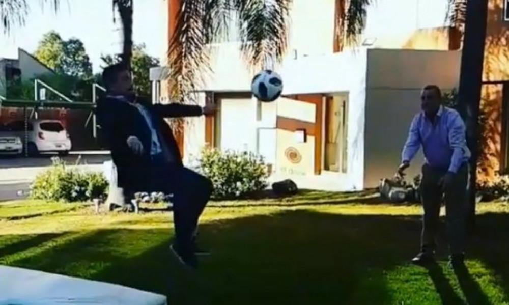 Δεν υπάρχει: Πήγε να κάνει ψαλιδάκι αλά Κριστιάνο Ρονάλντο και έσπασε το πόδι του!  (video)