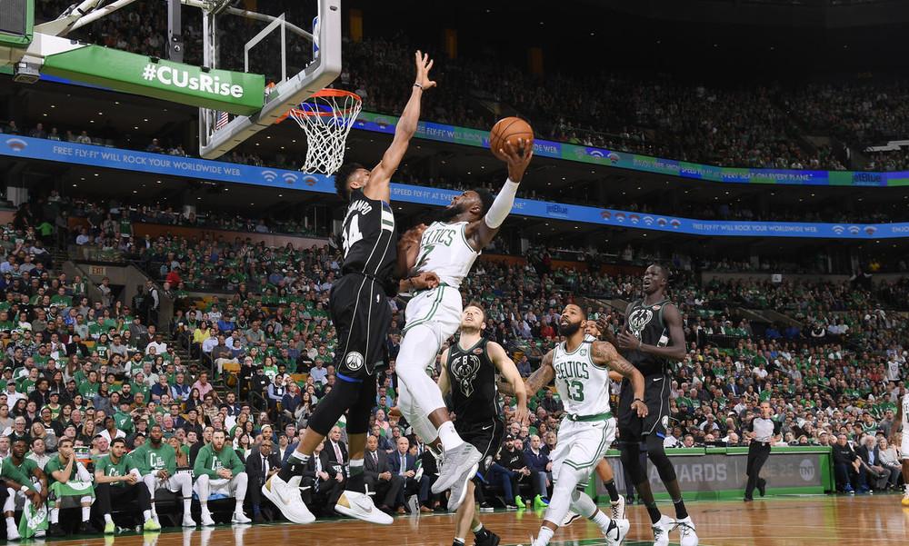 NBA: Δεν άντεξαν στην Βοστώνη οι Μπακς (video)