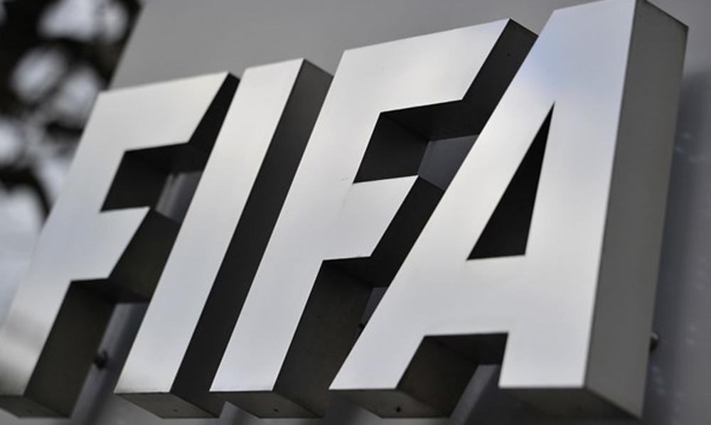 FIFA: Ισόβιος αποκλεισμός στον πρόεδρο της ομοσπονδίας για δωροδοκία