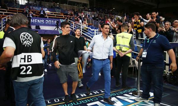 BCL Final-4: Το «Pasillo» για την πρωταθλήτρια ΑΕΚ (videos+photos)