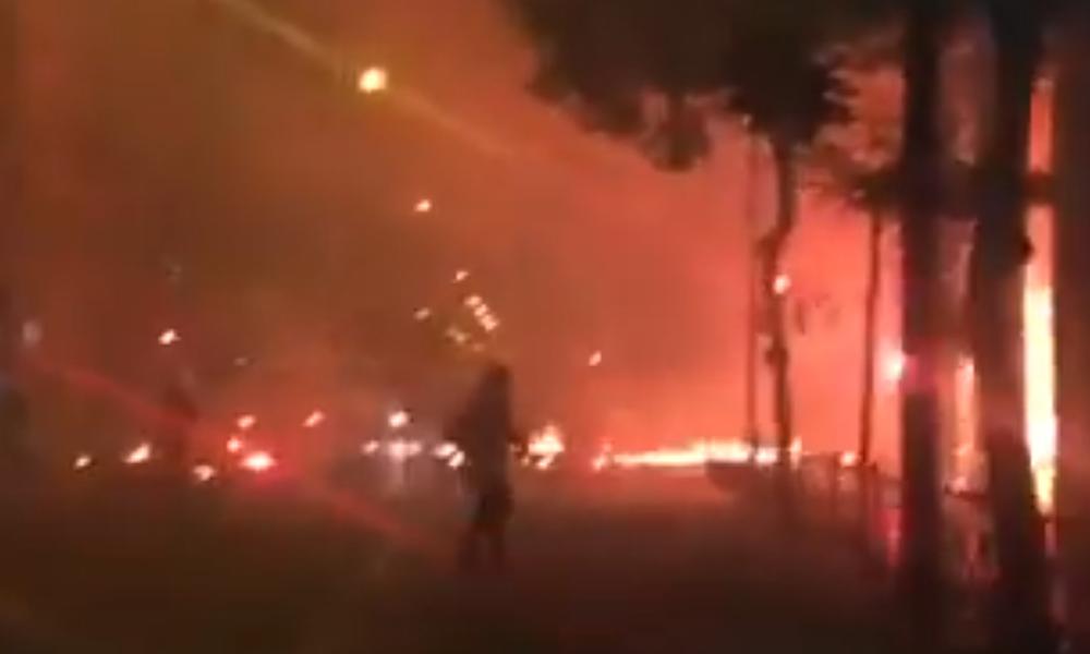 Νύχτα «κόλαση»: Νέα επεισόδια μεταξύ οπαδών και αστυνομίας - Μολότοφ, πέτρες και δακρυγόνα