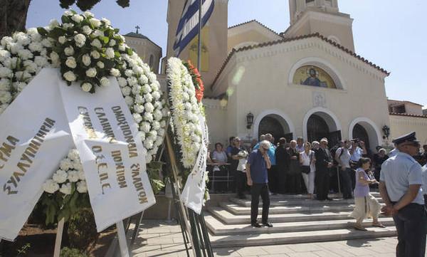 Η Ελλάδα αποχαιρέτησε τον Χάρρυ Κλυνν (photos+videos)