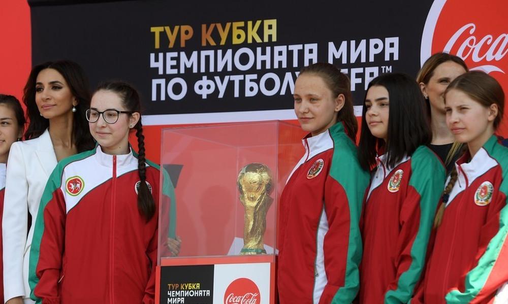 Παγκόσμιο Κύπελλο Ποδοσφαίρου 2018: Το ντεμπούτο των «ballgirls» στην διοργάνωση!