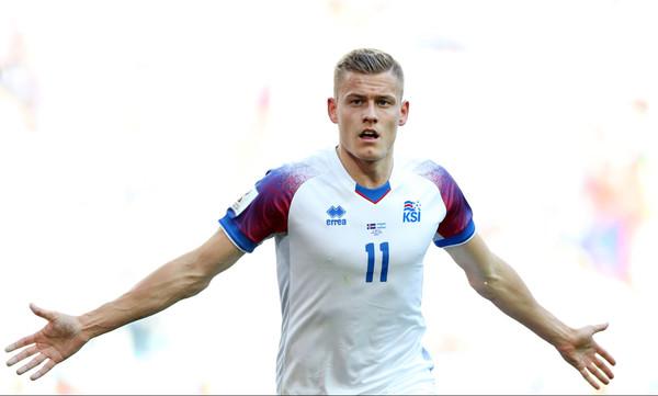 Παγκόσμιο Κύπελλο Ποδοσφαίρου 2018: Τρέλα στην Ισλανδία με το γκολ του Φινμπόγκασον (video)