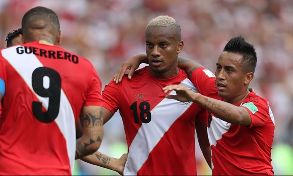Παγκόσμιο Κύπελλο Ποδοσφαίρου 2018: Αυστραλία-Περού 0-2 (photos)