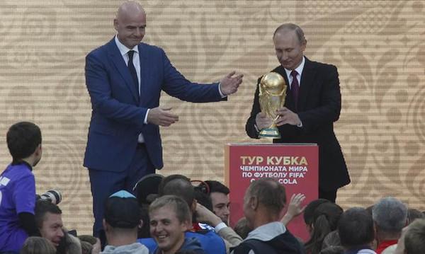 Παγκόσμιο Κύπελλο Ποδοσφαίρου 2018: Η Ρωσία… μεταμορφώθηκε σύμφωνα με Πούτιν και Ινφαντίνο