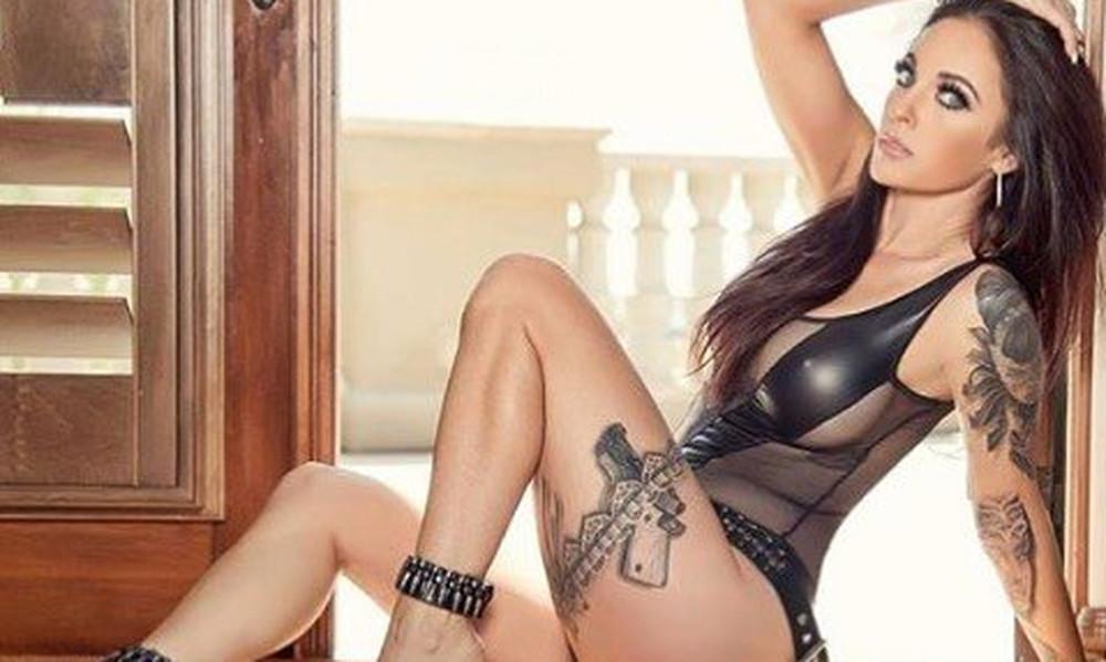 Διάσημη γυμνάστρια σε απαγορευμένες πόζες! (photos)