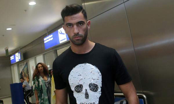 Ολυμπιακός: Έφτασε Ελλάδα και ανακοινώνεται ο Μεριά (photos)