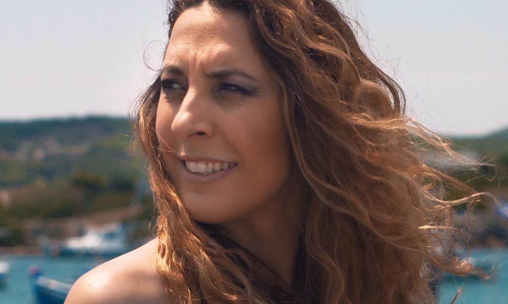 «Το σύνθημα» της Μαρίνας Κωνσταντινίδου (video)