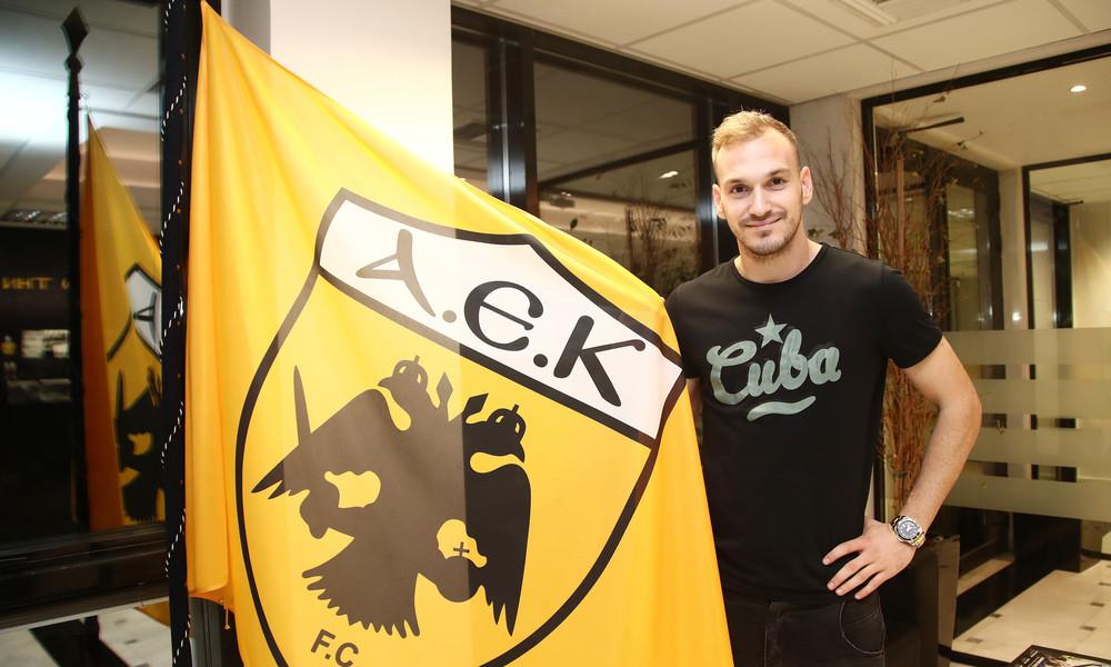 ΑΕΚ: Ανανέωσε και ο Μπακάκης!