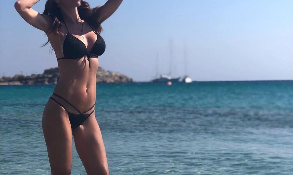 Αυτή η κορμάρα ανήκει σε Ελληνίδα 45άρα! (photos)