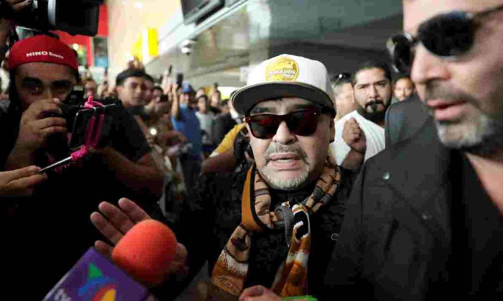 Υποδοχή Μεσία στον Μαραντόνα από τους Μεξικανούς (photos+video)