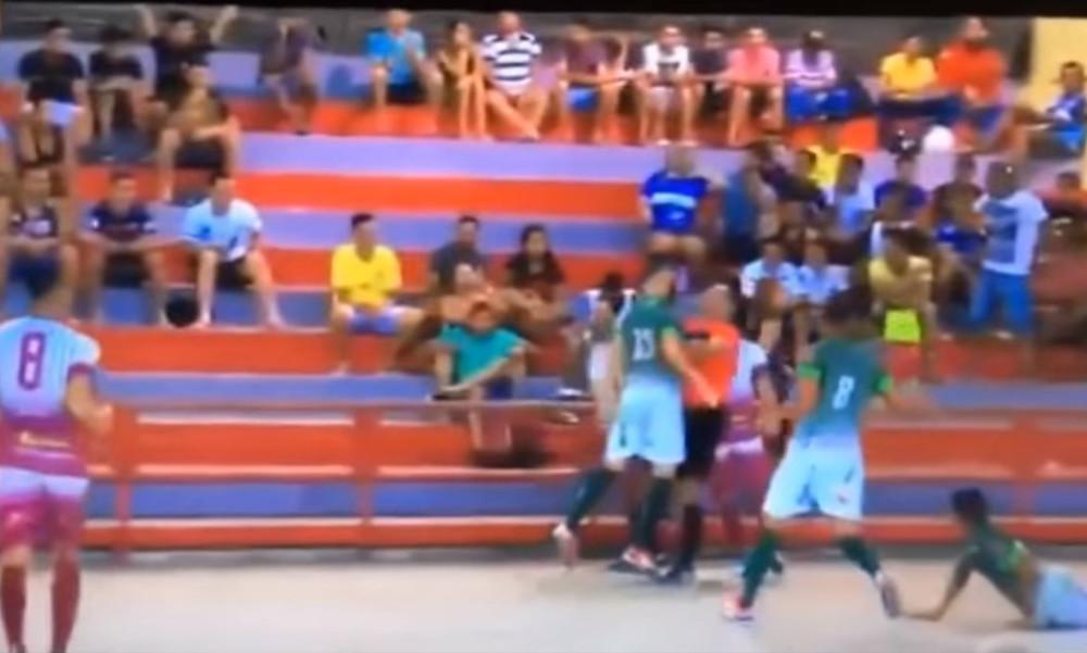 Παίκτης κουτούλησε διαιτητή και τον έστειλε στο νοσοκομείο (video)