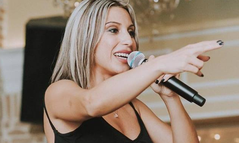 Μαρία Καρλάκη: Ξεκίνησε εμφανίσεις- Δείτε ποιοι έδωσαν το παρών