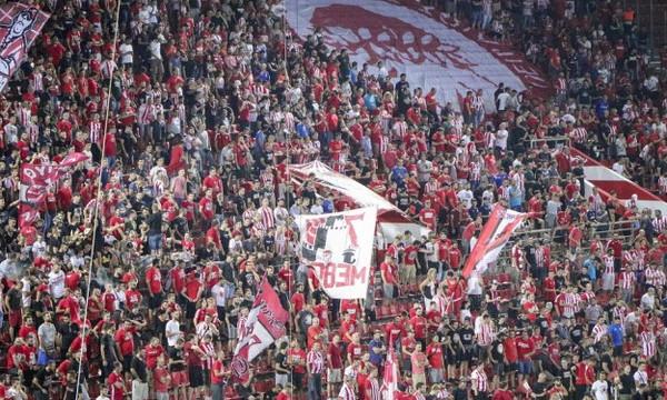 Πανό κατά του ΠΑΟΚ από οπαδούς του Ολυμπιακού (photos)