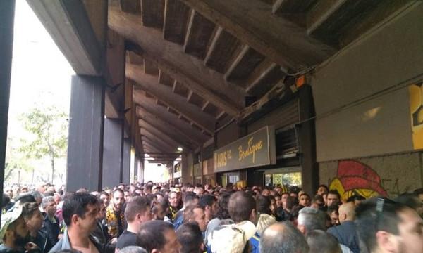Άρης-ΠΑΟΚ: Ένταση στο «Βικελίδης», έξαλλοι οι οπαδοί!  (photos)