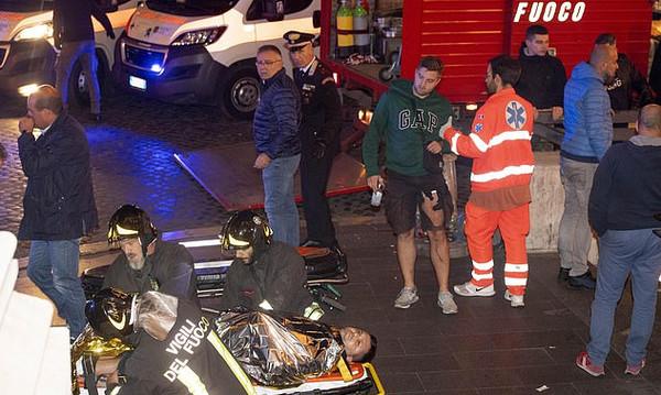 Σκηνές Αποκάλυψης στη Ρώμη, πάνω από 20 τραυματίες και πληροφορίες για μαχαιρώματα! (video+photos)