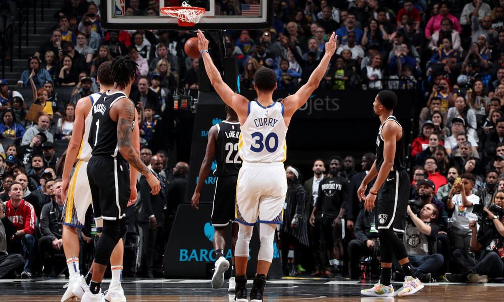 NBA: Από άλλο πλανήτη Κάρι και Ντουράντ, πρώτη νίκη για Θάντερ (video)