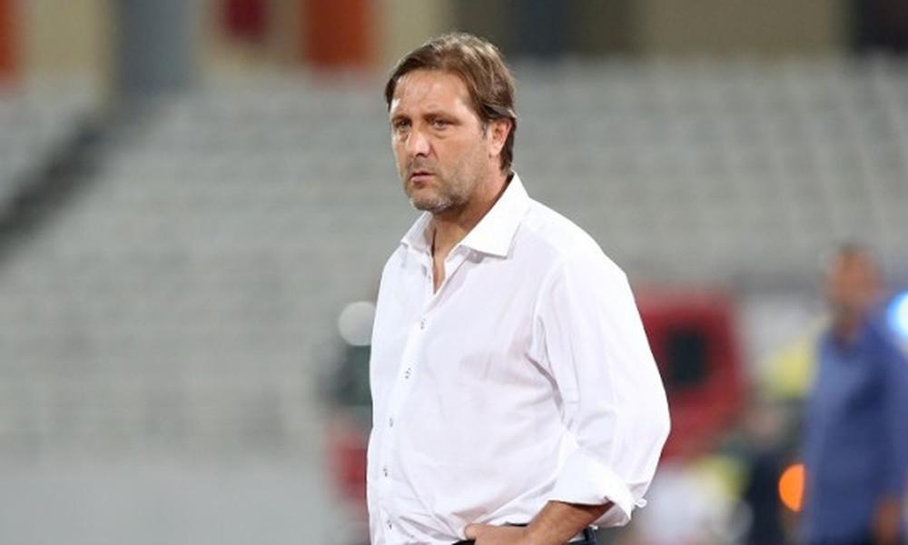 Μαρτίνς: «Απαράδεκτο να παίζουμε ποδόσφαιρο σε αυτό το γήπεδο»