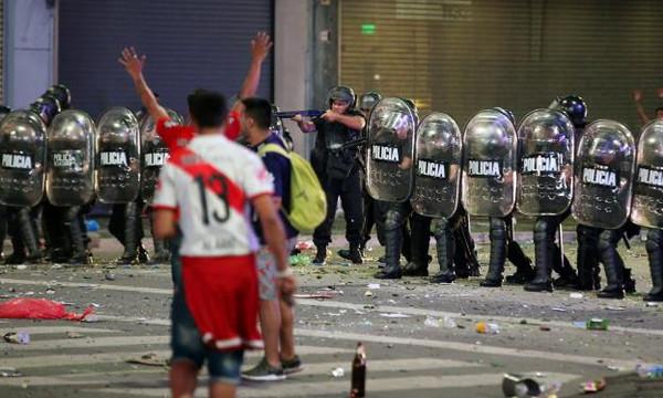 Ρίβερ-Μπόκα: Επεισόδια στη Μαδρίτη (vid)