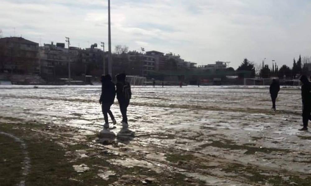 Football League: Αναβολή και στα τρία παιχνίδια