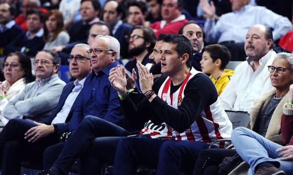 Με φανέλα Σπανούλη ο Σιόβας στο Ρεάλ – Ολυμπιακός (photos)
