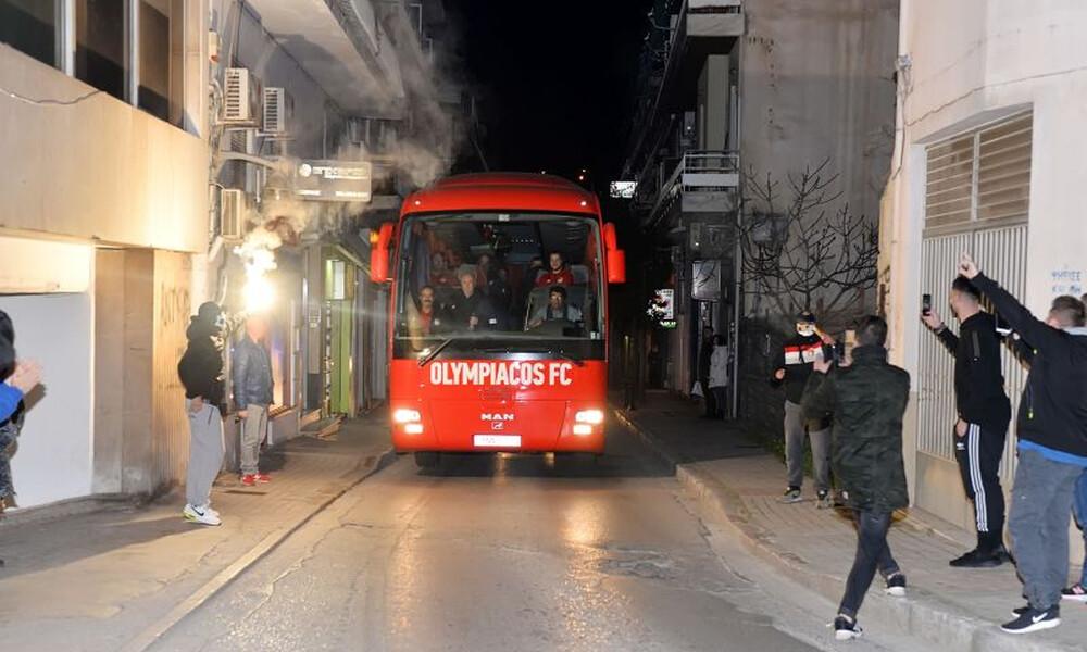 Ολυμπιακός: Αποθεωτική υποδοχή στη Λαμία (photos)