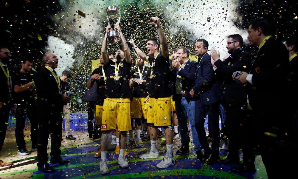 AEK – Φλαμένγκο: Η ιστορική στιγμή της απονομής των «κιτρινόμαυρων» (video&photos)