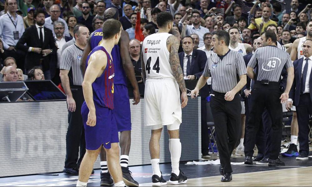 Ο διάλογος των διαιτητών στη φάση που έκρινε το Ρεάλ Μαδρίτης – Μπαρτσελόνα