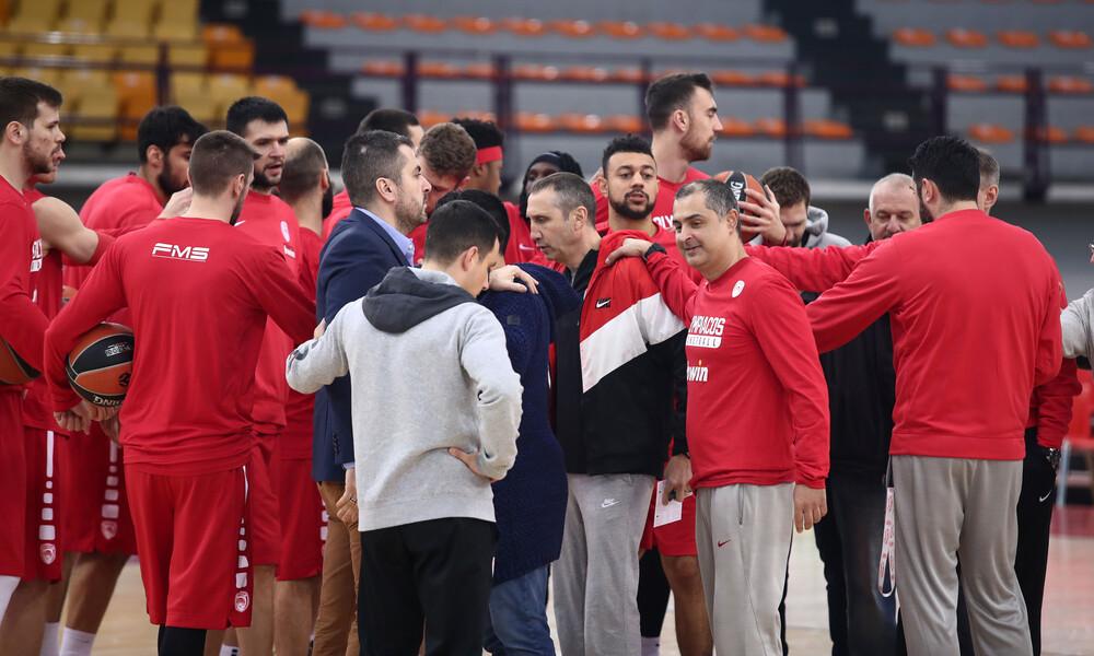 Ολυμπιακός: Tσίκνισαν με τους Αγγελόπουλους οι «ερυθρόλευκοι» (photo)