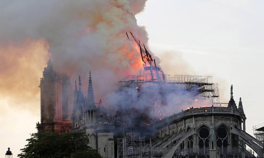 Παναγία των Παρισίων: Έτσι ξεκίνησε η φωτιά (pics+vids)