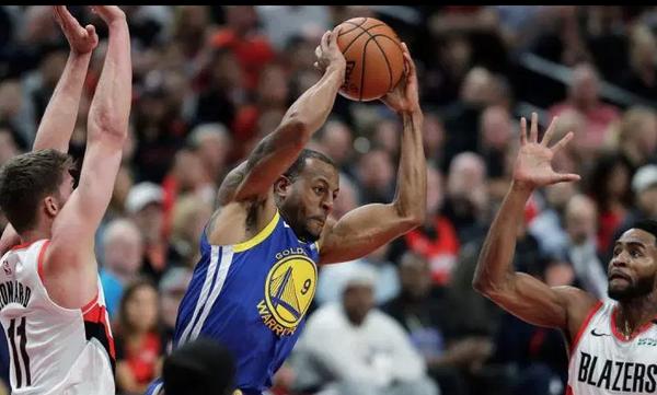NBA: Τραυματίας ο Ιγκουοντάλα, ανησυχία στους Γουόριορς