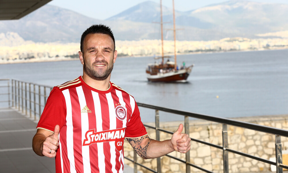 Βαλμπουενά: «Θα παίξω στο μεγαλύτερο σύλλογο της Ελλάδας» (video)