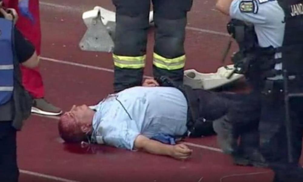 Απίστευτες εικόνες στη Ρουμανία: Αναίσθητος και ματωμένος αστυνομικός (video)