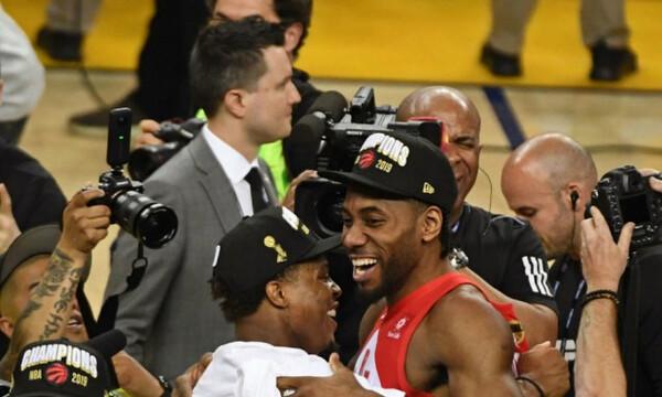 Γουόριορς-Ράπτορς: Η απονομή των πρωταθλητών (video)