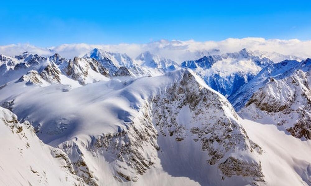 Νεπάλ: Ρεκόρ προσέλευσης στην κορυφή του Έβερεστ