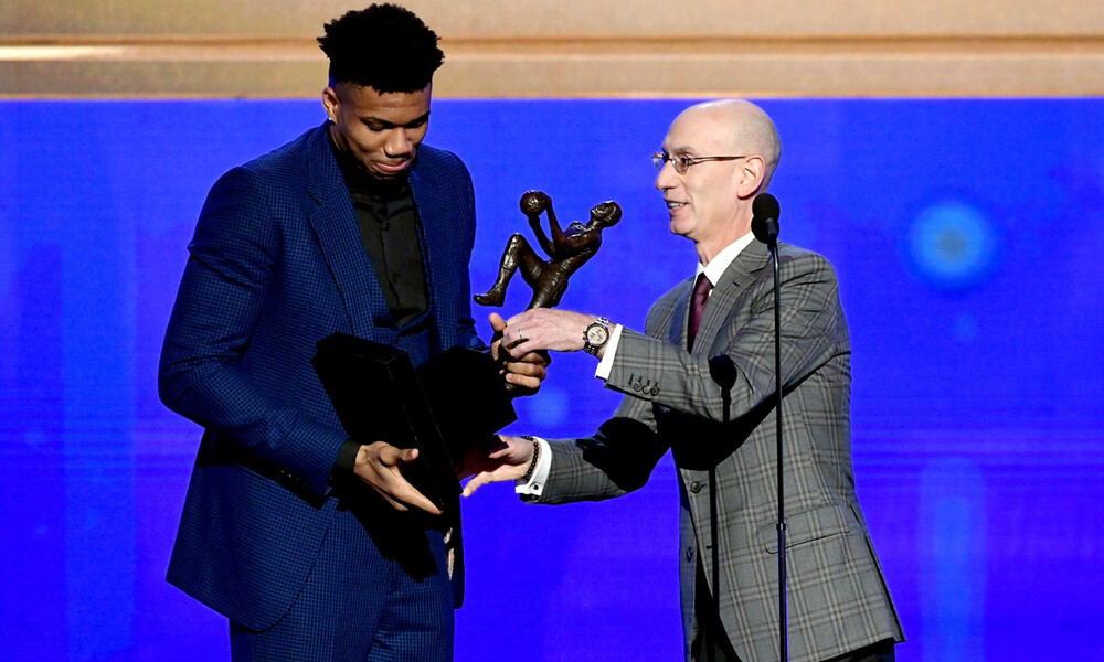 NBA: Οι Μπακς… τρελάθηκαν με τον MVP Γιάννη