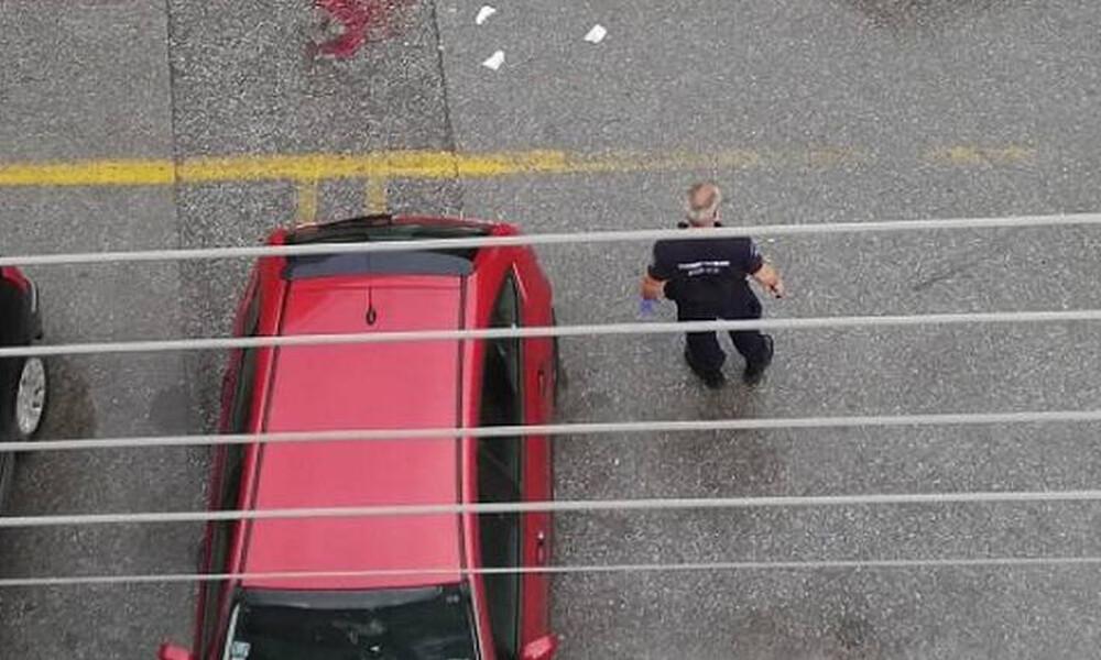 Θεσσαλονίκη: Της επιτέθηκε με τσεκούρι στη μέση του δρόμου - Σε κρίσιμη κατάσταση η γυναίκα