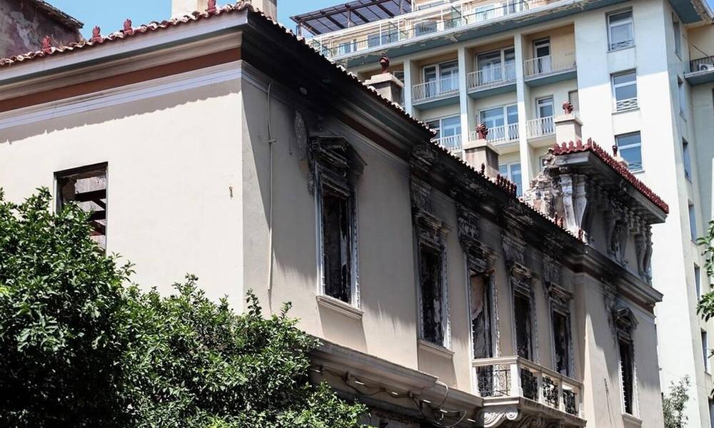 Σεισμός ΤΩΡΑ: Κατέρρευσαν κτήρια στο κέντρο της Αθήνας, τη Δραπετσώνα και τη Μάνδρα