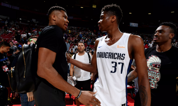 NBA: Προς Λέικερς ο Αντετοκούνμπο! (photos+video)
