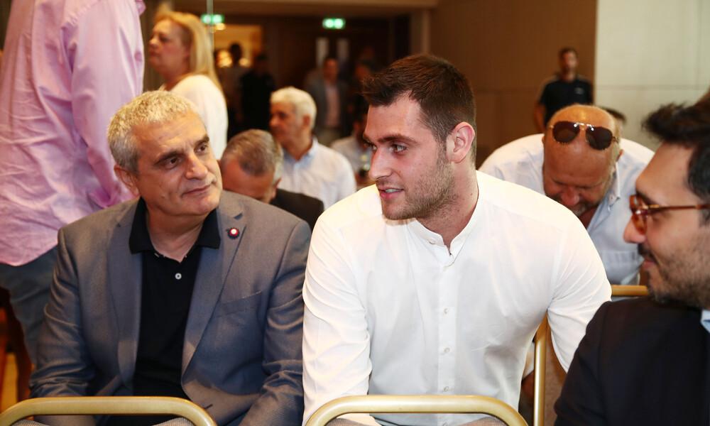 Πεδουλάκης: «Το ελληνικό μπάσκετ κρατάει ψηλό τον αθλητισμό»