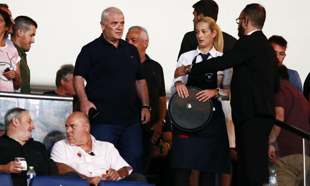 ΑΕΚ: Οι αποδοκιμασίες έξω από το ΟΑΚΑ και το «θα φύγουν όλοι» του Μελισσανίδη (video)
