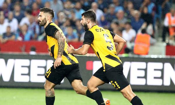 Πάει για το θαύμα η ΑΕΚ: 0-2 με γκολάρα Λιβάγια και πέναλτι του Μάνταλου! (videos)